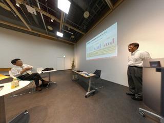 講義時のパノラマ写真A.jpg